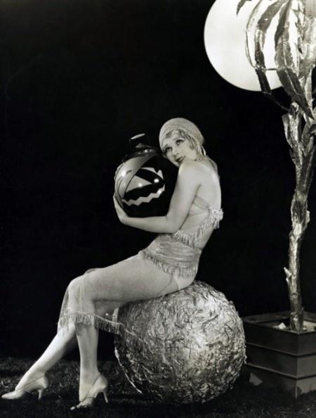 anita-page-1920s-vintage-halloween